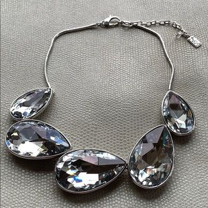 Beautiful chunky crystal silver necklace